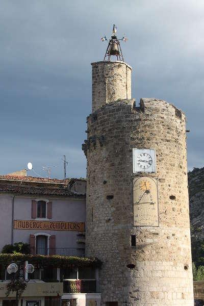 Anduze tour de l horloge routes touristiques du gard guide du tourisme du languedoc roussillon