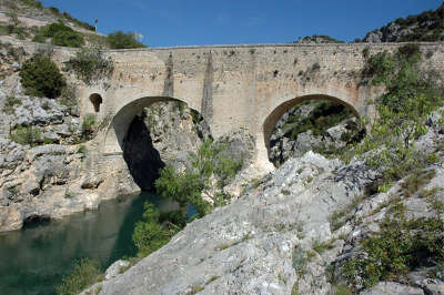 Aniane le pont du diable routes touristique de l herault guide du tourisme du languedoc roussillon