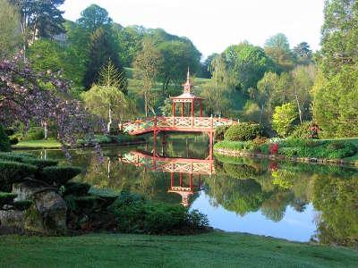 Apremont sur allier jardins remarquables plus beau village de france les routes touristiques dans le cher guide du tourisme centre val de loire