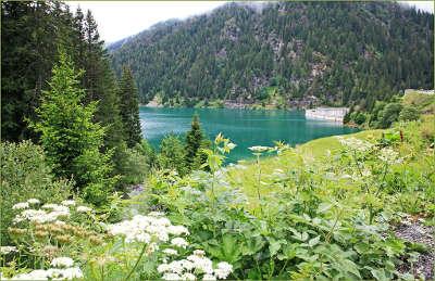 Areches lac barrage de saint guerin routes touristiques de savoie guide touristique de rhone alpes