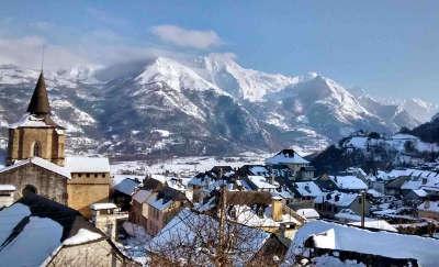 Argeles gazost sous la neige routes touristique des hautes pyrenees guide du tourisme midi pyreneess