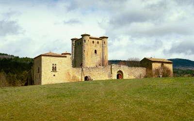Arques le chateau routes touristique de aude guide du tourisme du languedoc roussillon