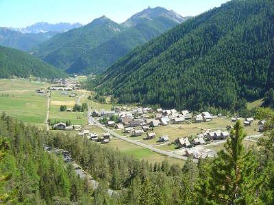 Arvieux queyras la vallee routes touristiques des hautes alpes guide du tourisme de provence alpes cote d azyr