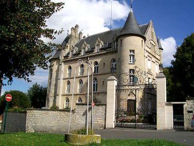Asnieres sur oise chateau routes touristiques du val d oise guide du tourisme d ile de france