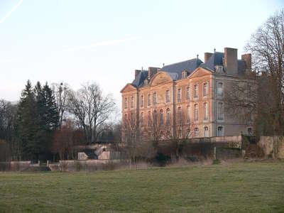 Aulnois sur seille le chateau routes touristiques de la moselle guide du tourisme de la lorraine