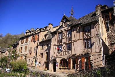 Aumont aubrac maison routes touristique de la lozere guide du tourisme du languedoc roussillon