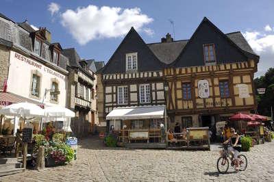 Auray centre ville routes touristiques dans le morbihan guide du tourisme en bretagne