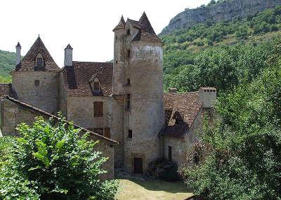 Autoire plus beau village chateau de limargue routes touristiques du lot guide touristique midi pyrenees