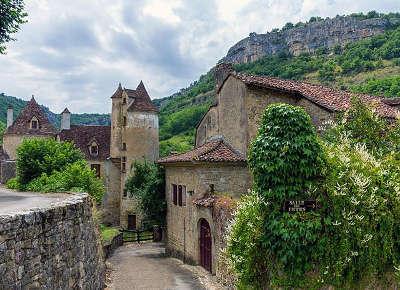 Autoire plus beau village les routes touristiques du lot guide touristique midi pyrenees