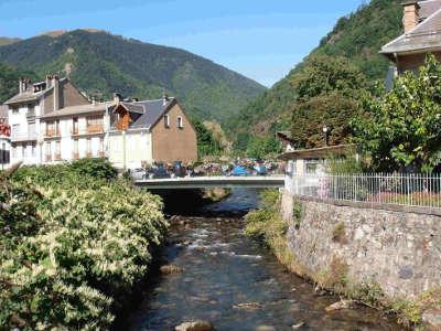 Bagneres de luchon routes touristiques de hautes garonnes guide du tourisme midi pyrenees