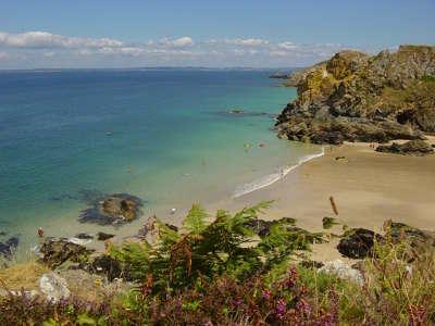 Baie de douarnenez les routes touristiques dans le finistere guide du tourisme en bretagne
