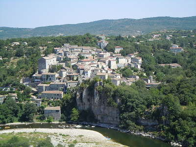 Balazuc plus beau village et village de caractere routes touristiques de ardeche guide du tourisme du rhone alpes