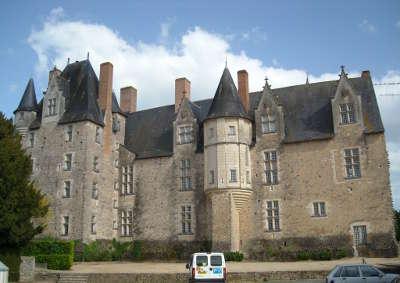 Bauge en anjou plus beau detours le chateau de bauge routes touristiques de maine et loire guide du tourisme du pays de la loire