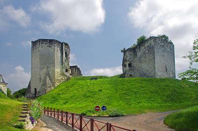 Beaufort en vallee chateau comtal routes touristiques de maine et loire guide du tourisme du pays de la loire