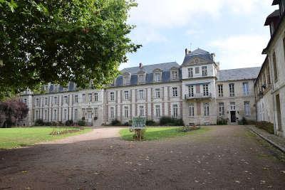 Beauvais abbaye saint quentin routes touristique de l oise guide du tourisme de picardie