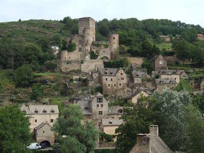 Belcastel plus beaux villages de france le chateau routes touristiques de aveyron guide du tourisme midi pyrenees