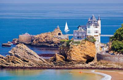 Biarritz routes touristiques des pyrenees atlantiques guide du tourisme nouvelle aquitaine