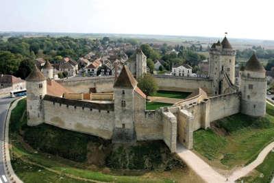 Blandy les tours le chateau routes touristiques de seine et marne guide touristique ile de france