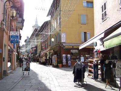 Bourg saint maurice rue du centre routes touristiques de savoie guide touristique de rhone alpes