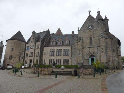 Bourganeuf cite medievale les routes touristiques de la creuse guide du tourisme du limousin