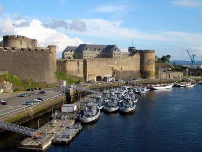 Brest ville d art et d histoire routes touristiques dans le finistere guide du tourisme en bretagne