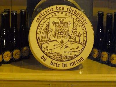 Brie de melun routes touristiques de seine et marne guide touristique ile de france