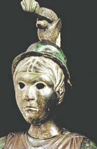 Brigitte deesse celto romane trouvee sur les flancs du menez hom routes touristiques dans le finistere guide du tourisme en bretagne