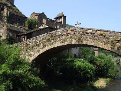 Brousse le chateau plus beaux villages de france le pont routes touristiques de aveyron guide du tourisme midi pyrenees
