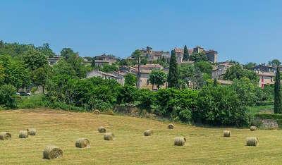 Bruniquel plus beau village vue principale routes touristiques du tarn et garonne guide du tourisme midi pyrenees