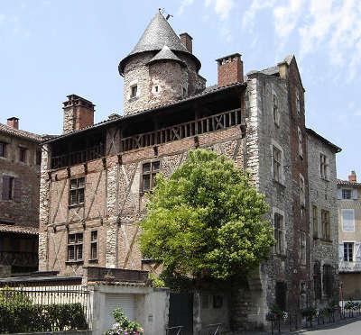 Cahors ville d art et d histoire l hotel de roaldes routes touristiques du lot guide touristique midi pyrenees