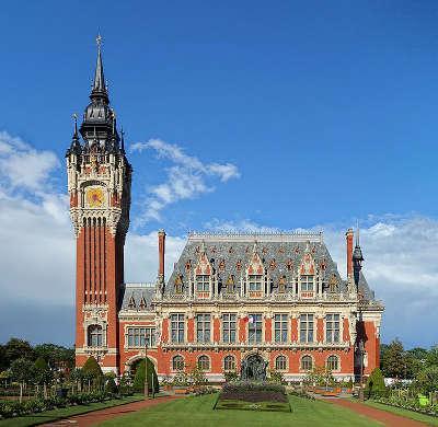 Calais hotel de ville et le beffroi routes touristiques du nord guide touristique nord pas de calais