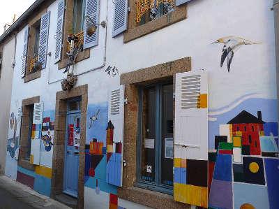 Camaret sur mer saint thomas le quartier des artistes routes touristiques dans le finistere guide du tourisme en bretagne