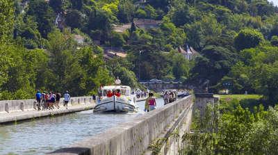 Canal de garonne routes touristiques du tarn et garonne guide du tourisme midi pyrenees