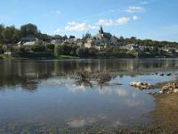Candes saint martin plus beau village routes touristiques dans l indre et loire guide du tourisme centre val de loire