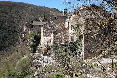 Cantobre village perche routes touristiques de l aveyron guide du tourisme de la provence alpes cote d azur