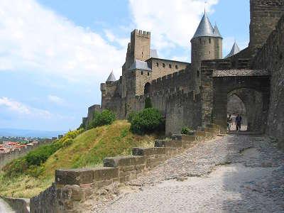 Carcassonne la porte de l aude grand site de france ville dart et d histoire routes touristiques de aude guide du tourisme d occitanie