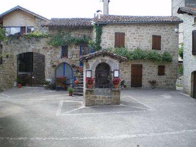 Cardaillac plus beau village le puits manganel routes touristiques du lot guide touristique midi pyrenees