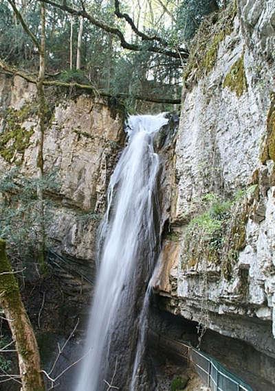 Cascade d angon routes touristiques de haute savoie guide du tourisme de rhone alpes
