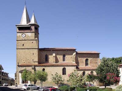 Castelnau magnoac la collegiale de l assomption routes touristique des hautes pyrenees guide du tourisme midi pyreneess