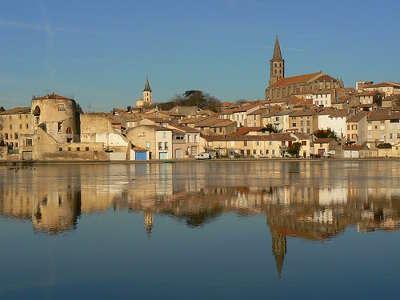 Castelnaudary routes touristique de aude guide du tourisme du languedoc roussillon