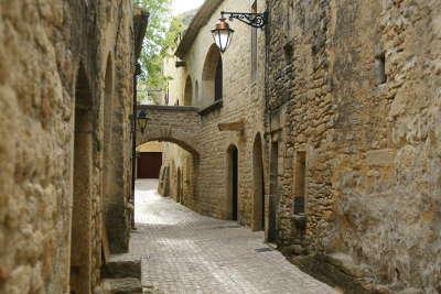 Castillon du gard routes touristiques du gard guide du tourisme du languedoc roussillon