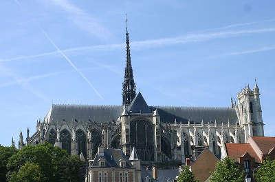 Cathedrale d amiens les routes touristique de la sommes guide touristique de picardie