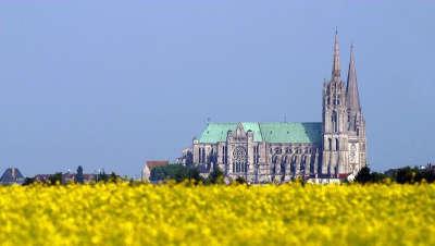 Cathedrale de chartres routes touristiques dans l eure et loir guide du tourisme centre val de loire