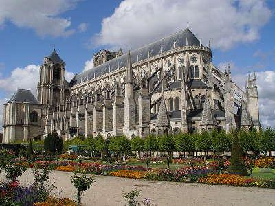 Cathedrale saint etienne de bourges routes touristiques dans le cher guide du tourisme centre val de loire