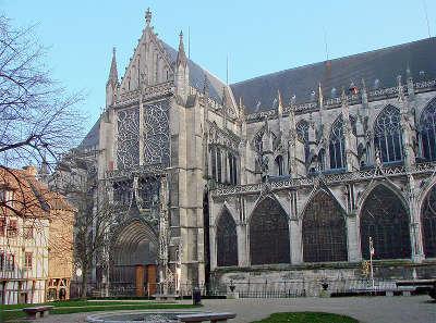 Cathedrale saint pierre et saint paul de troyes les routes touristiques dans l aube guide du tourisme grand est