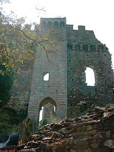Chalucet la forteresse routes touristiques de la haute vienne guide du tourisme du limousin