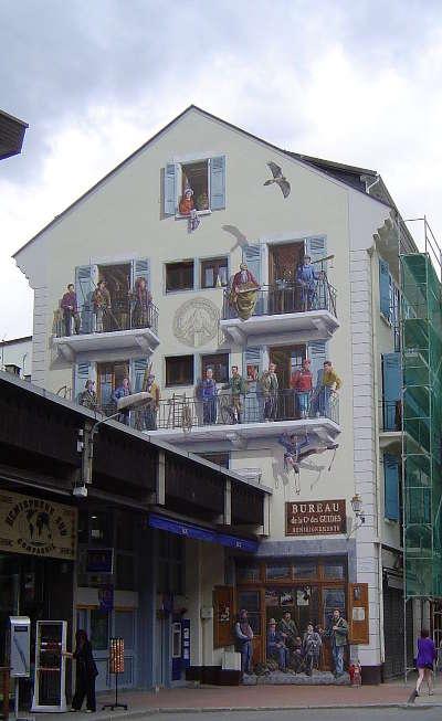 Chamonix fresque routes touristiques de haute savoie guide du tourisme de rhone alpes