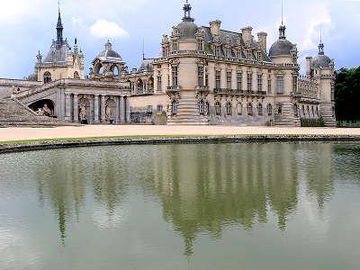 Chantilly le chateau routes touristique de l oise guide du tourisme de picardie