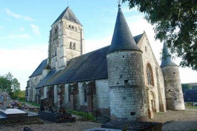 Chaourse l eglise fortifie saint denis et a saint martin de chaourse routes touristique de l aisne guide du tourisme de picardie