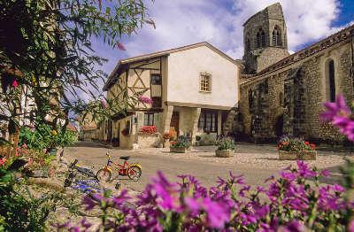 Charroux plus beaux villages de france les routes touristiques de l allier guide touristique auvergne